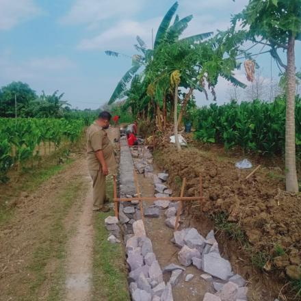 Pembangunan irigasi dusun Bulak Sempu